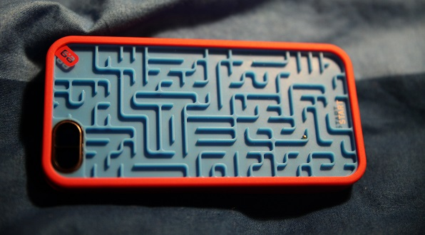 ball game maze iphone case