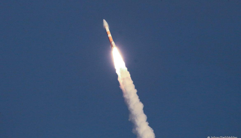 Delta IV lif-off sonic boom supersonic