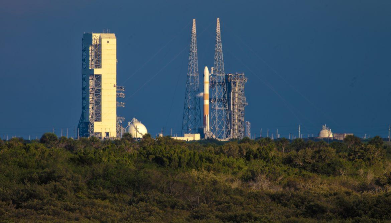 delta Iv rocket on launch pad